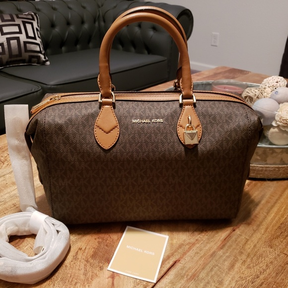 3549e5fdc8d0e0 Michael Kors Bags | Grayson Signature Convertible Satchel | Poshmark